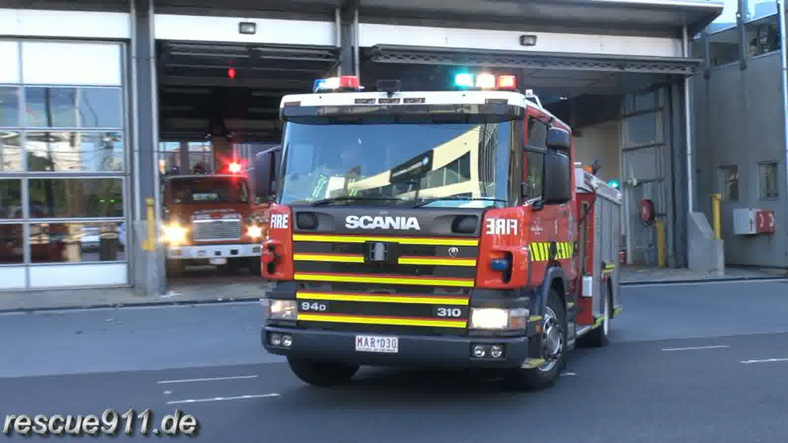 Pumper 38A + 38B MFB South Melbourne FS (stream)