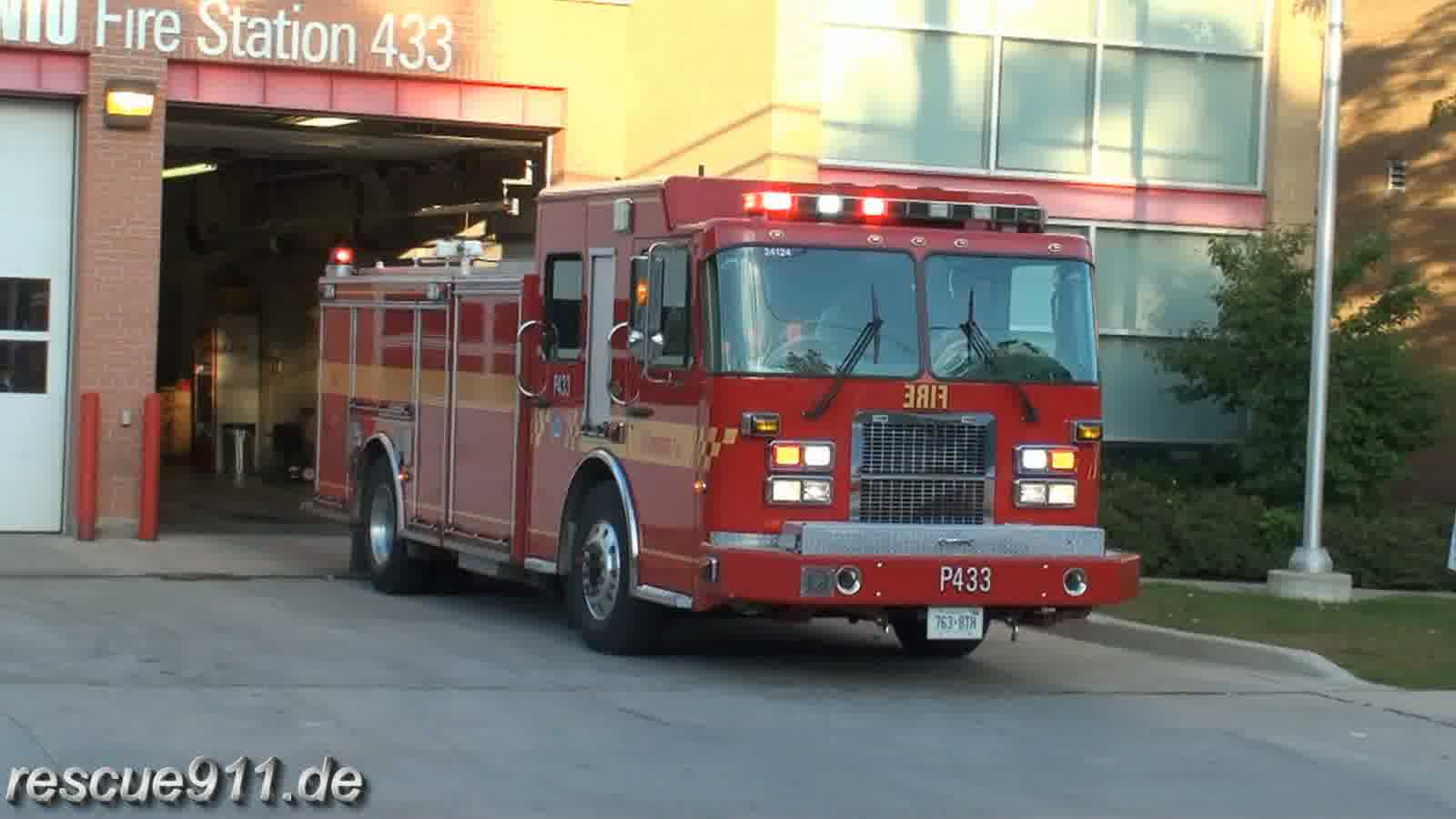 Pump 433 Toronto Fire Services (stream)