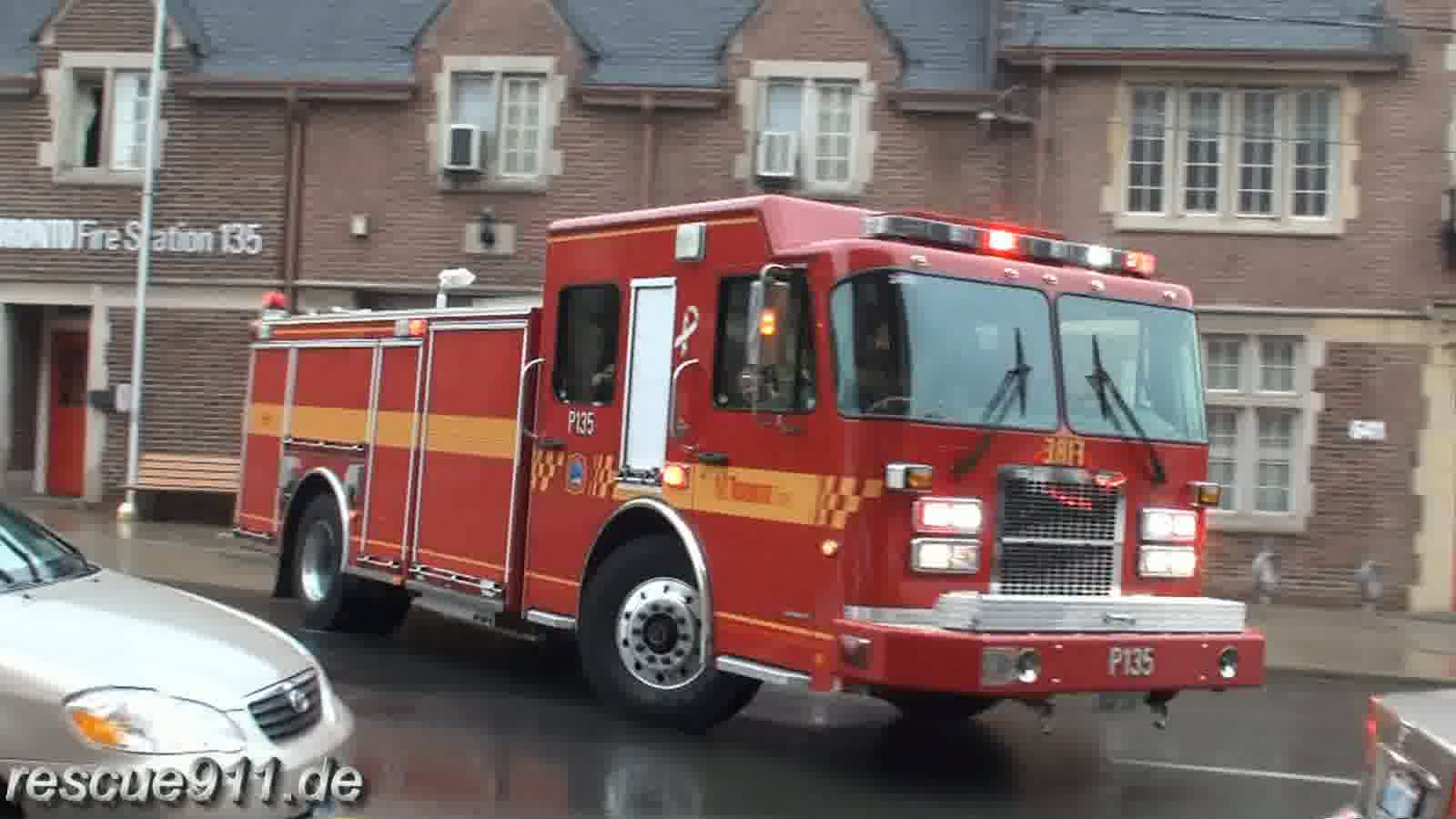 Pump 135 Toronto Fire Services (stream)