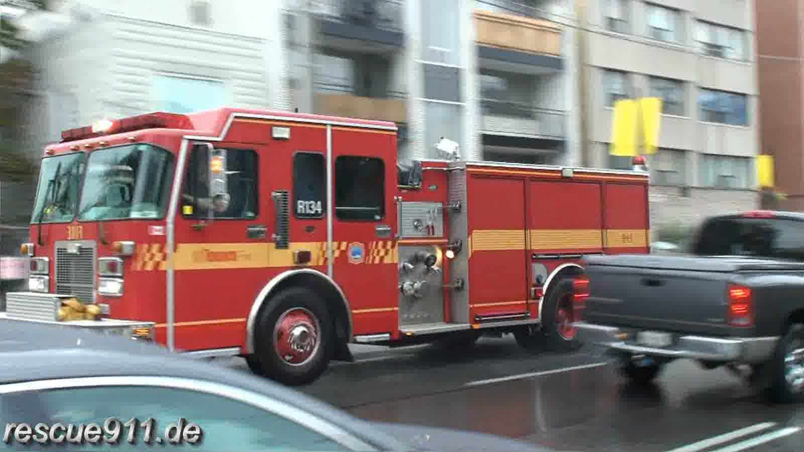 Rescue pump 134 Toronto Fire Services (stream)