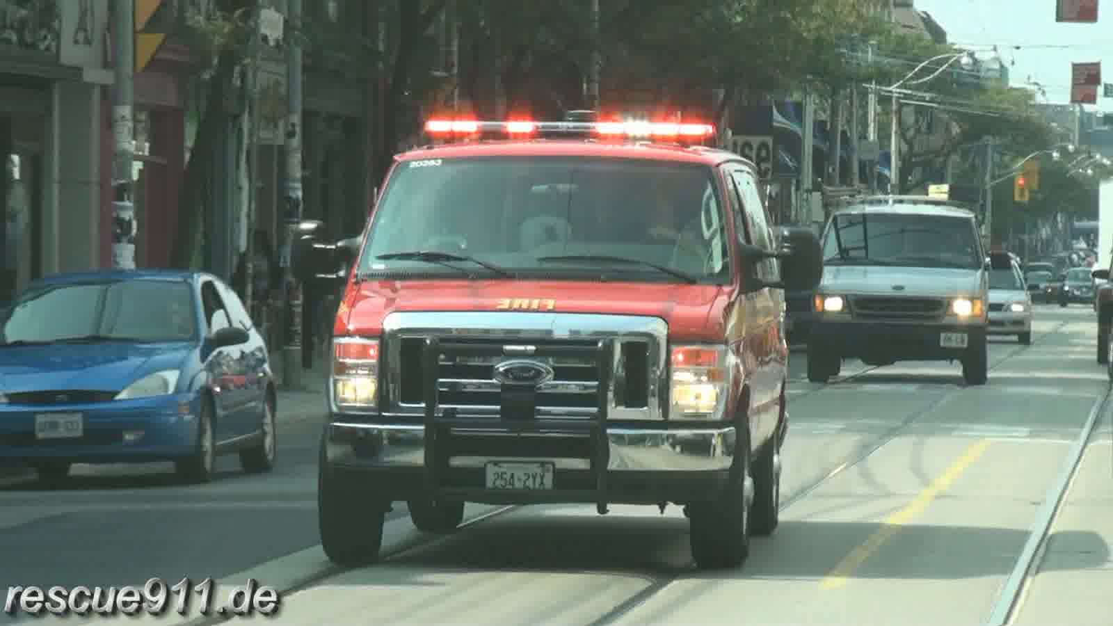 Car 33 Toronto Fire Services (stream)