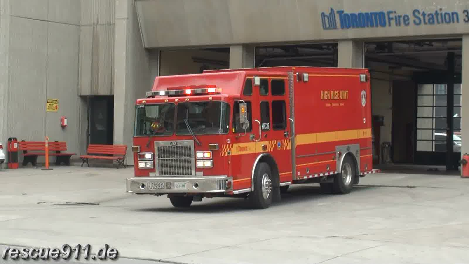 Pump 315 + Car 33 + High Rise 332 Toronto Fire Services (stream)
