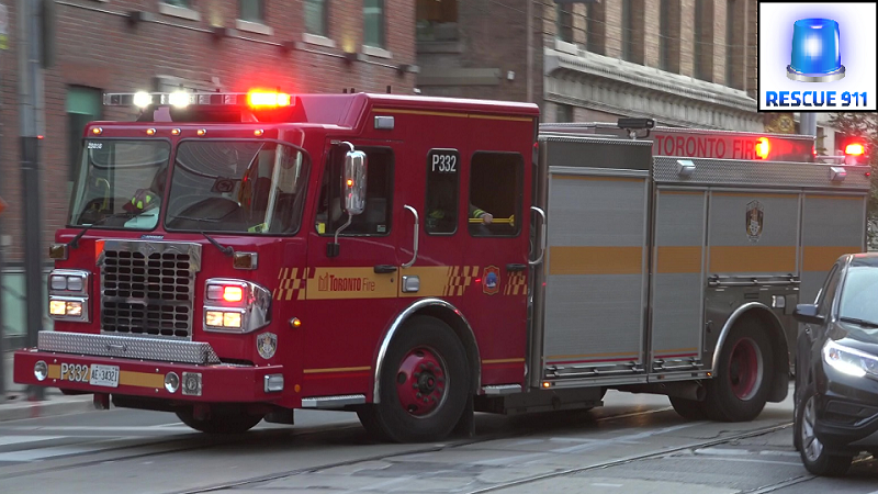 Car 33 + Pump 332 Toronto Fire Services (stream)