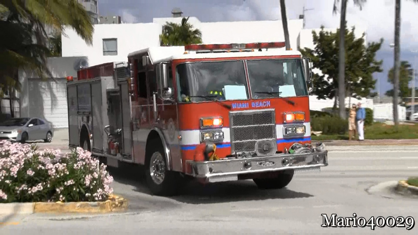 Engine 3 + Rescue 3 Miami Beach Fire-Rescue