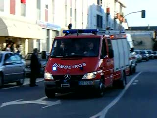 Fire engine + 4x ambulance BV Vieira de Leiria