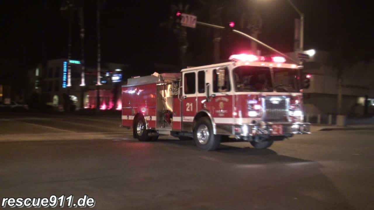 Medic 21 + Engine 21 SDFD (stream)