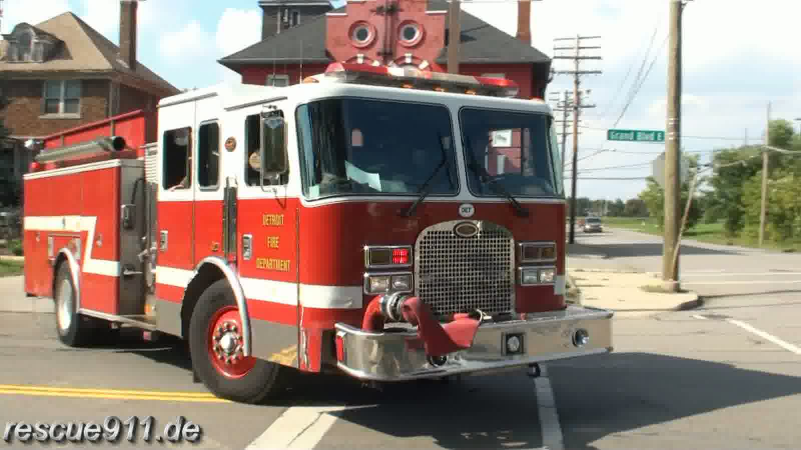 Engine 23 Detroit Fire Department (stream)