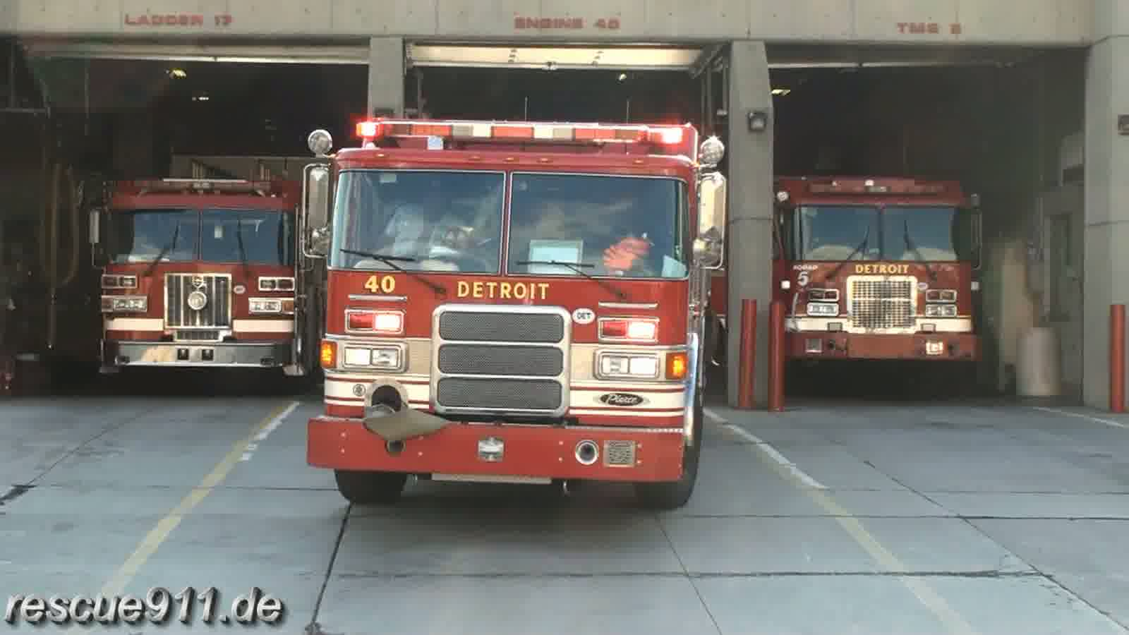 Engine 40 Detroit Fire Department (stream)