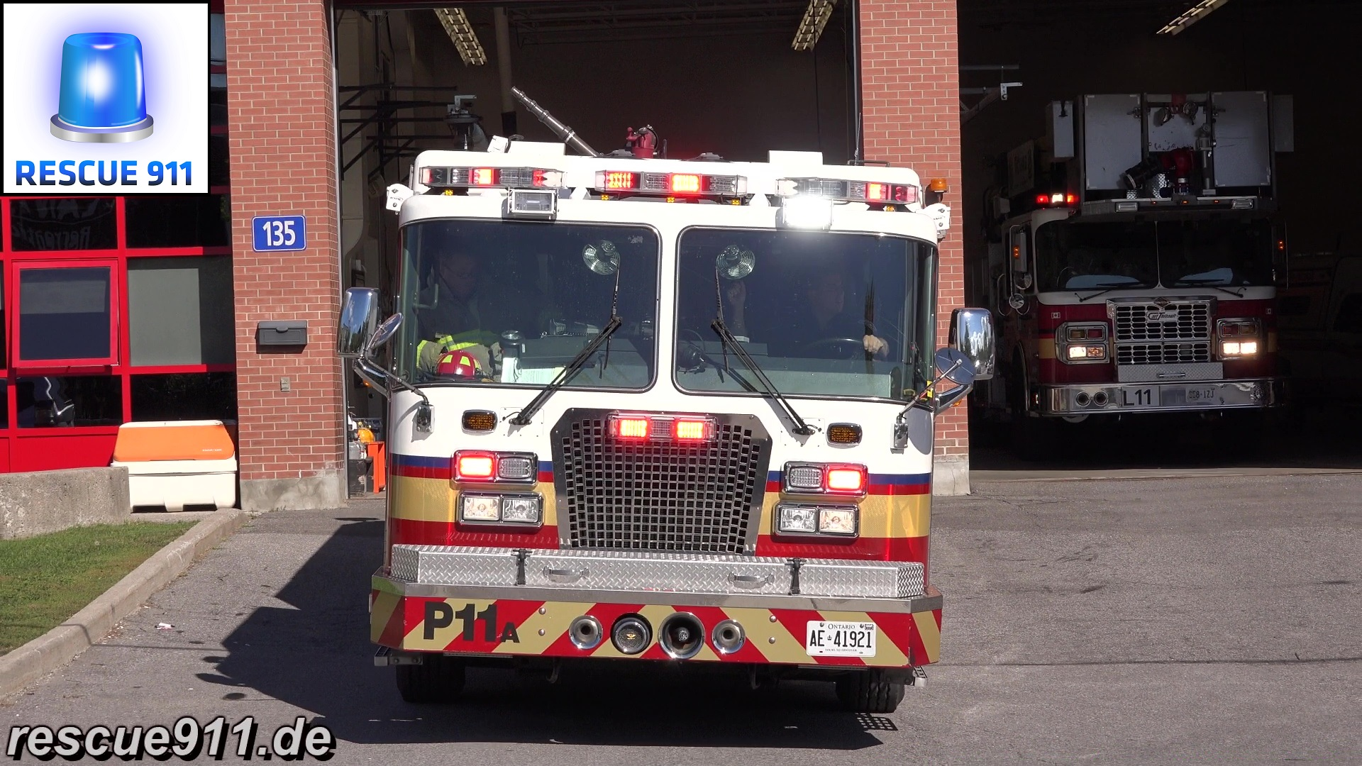 Pump 11 + Ladder 11 Ottawa Fire-Incendie (stream)