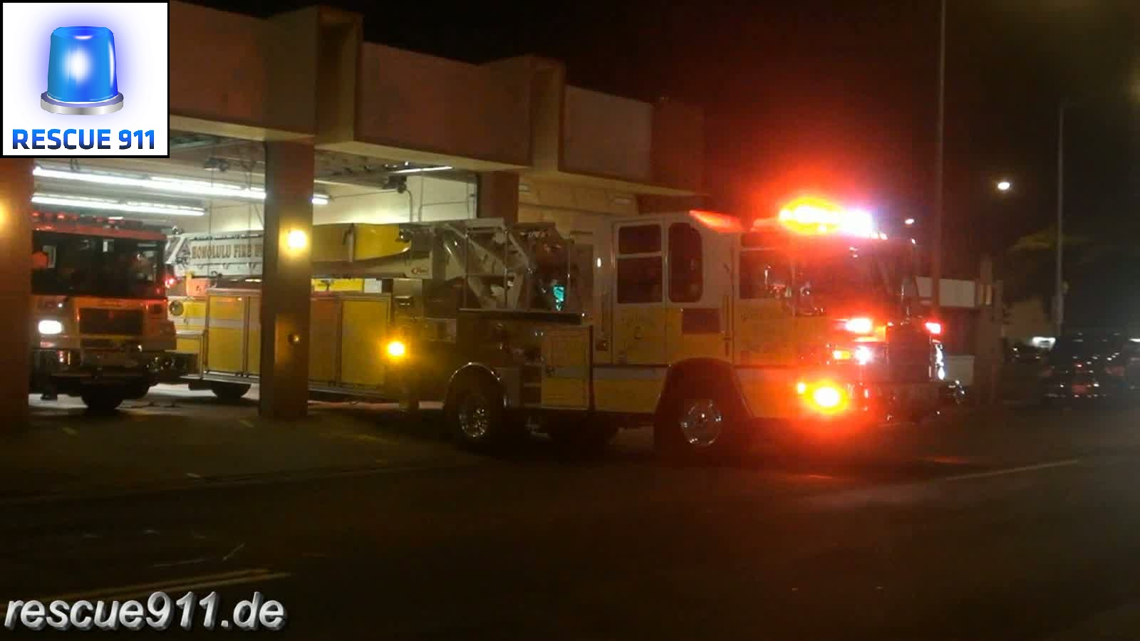 Ladder 2 + Engine 2 + Ambulance Honolulu Fire Department (stream)