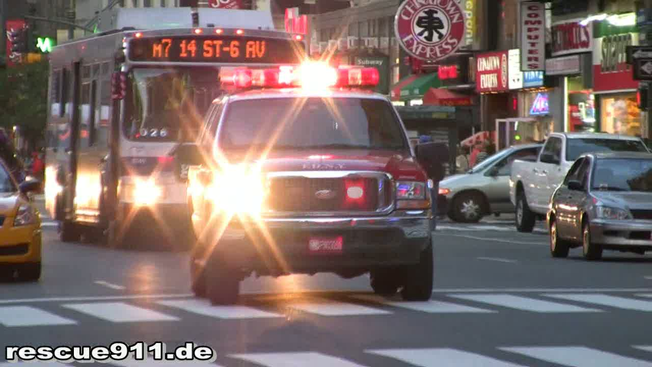 Ambulance 284 + EMS Supervisor 902 FDNY (stream)