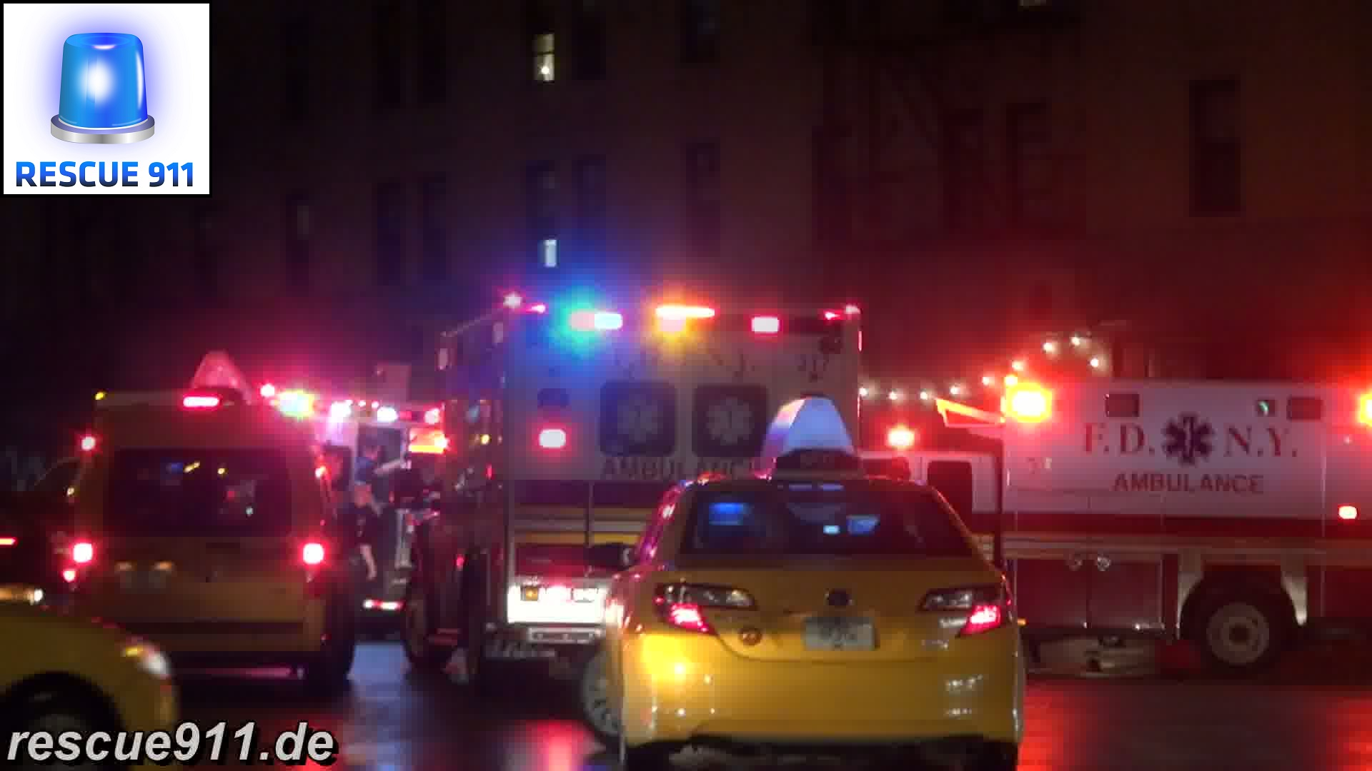 3x Ambulance + EMS Battalion FDNY + Police Car NYPD (collection) (stream)
