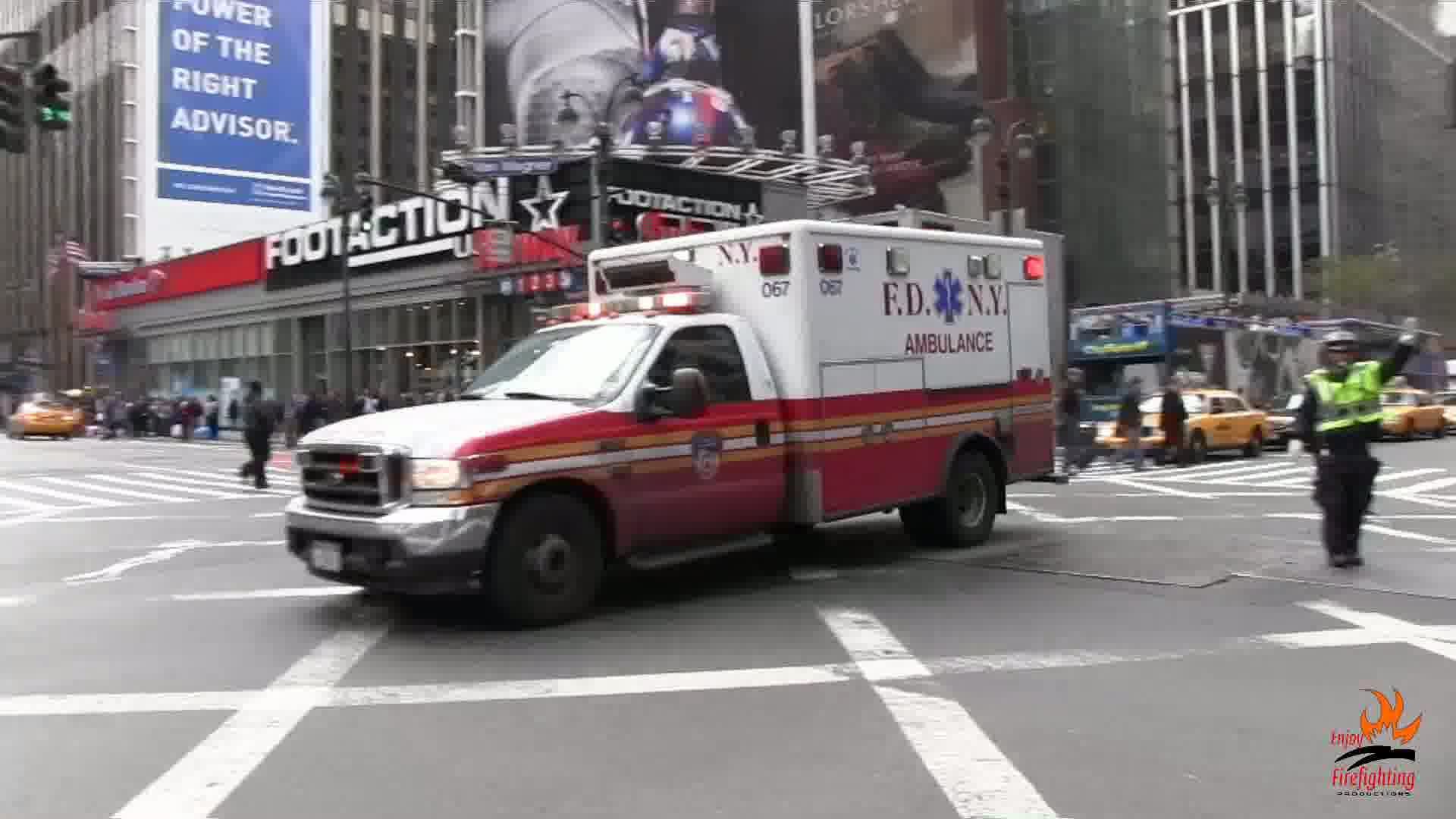 Ambulance 067 + Engine 1 FDNY (collection)