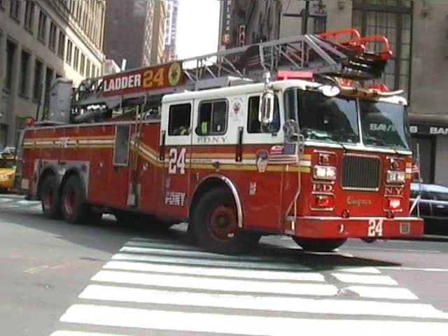 Ladder Truck 24 FDNY (stream)