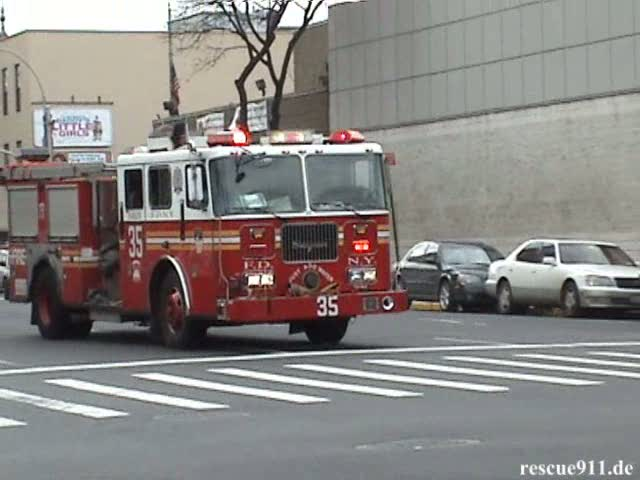 Engine 35 + Battalion Chief 12 FDNY (stream)
