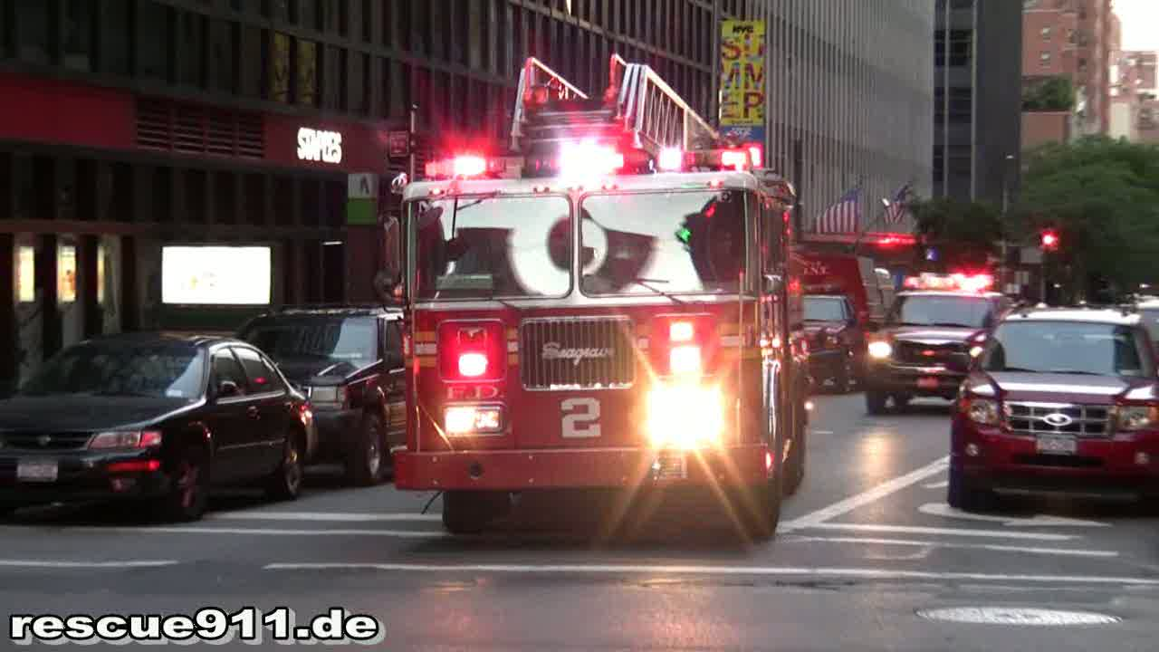 Battalion 9 + Engine 8 + Ladder 2 + Battalion 8 FDNY (stream)