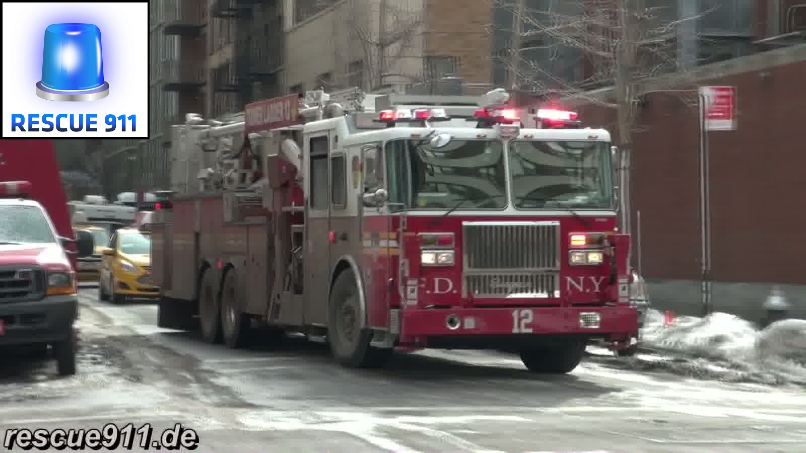 Tower Ladder 12 FDNY (stream)
