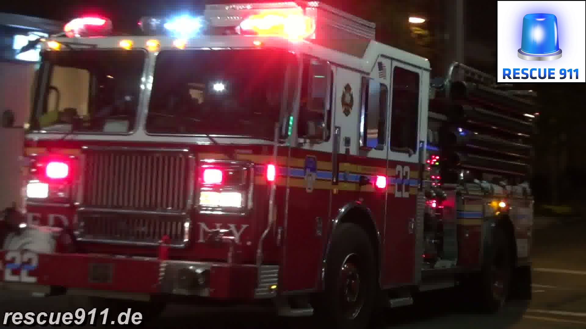 Engine 22 + Ladder 13 + Battalion 10 FDNY (stream)