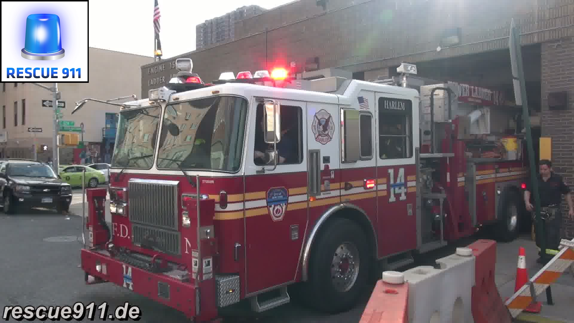 Ladder 14 + Battalion 12 + Engine 35 FDNY (stream)