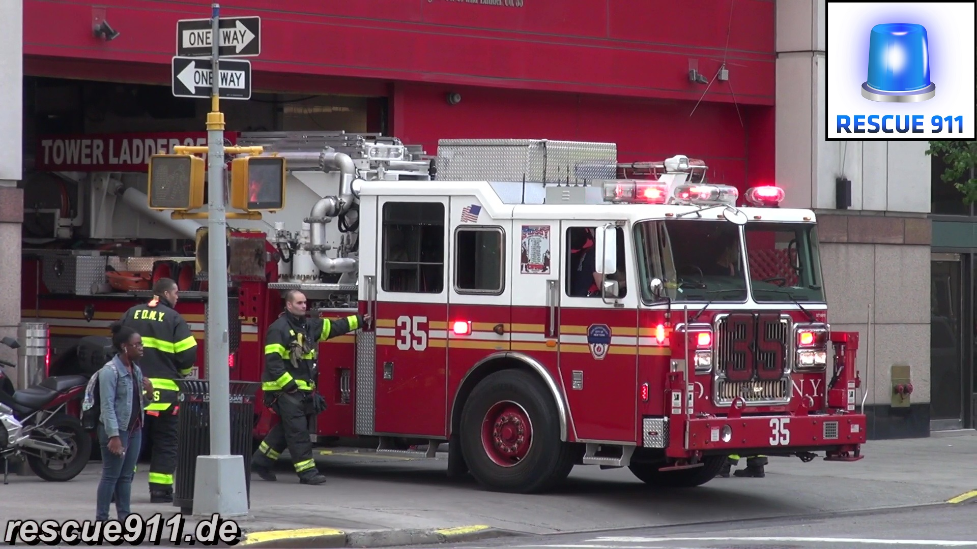 Tower Ladder 35 FDNY (stream)