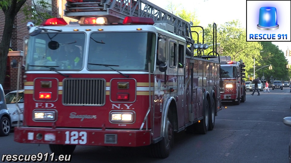 Ladder Truck 123 + Engine 234 FDNY (stream)