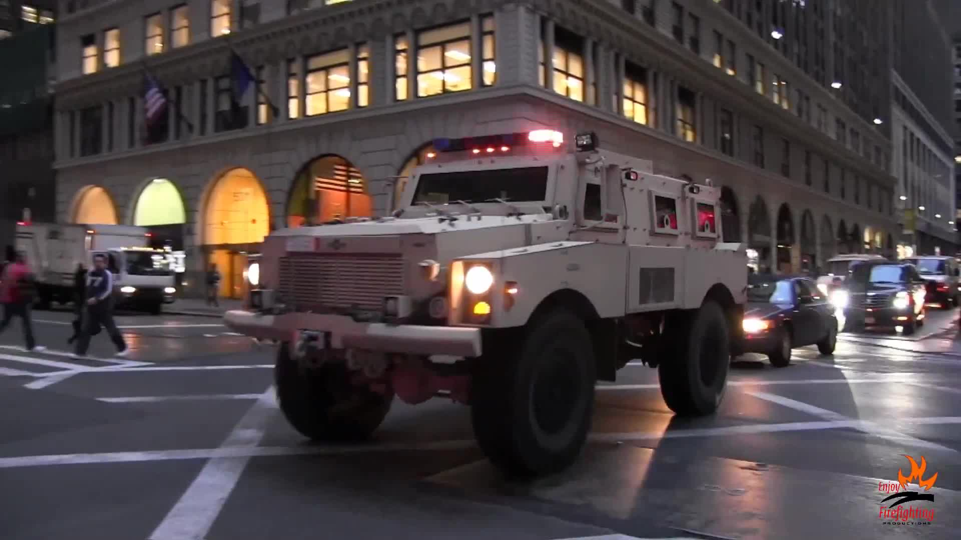 Heavy Armored SWAT Truck FBI + 2x Unmarked Car (collection)