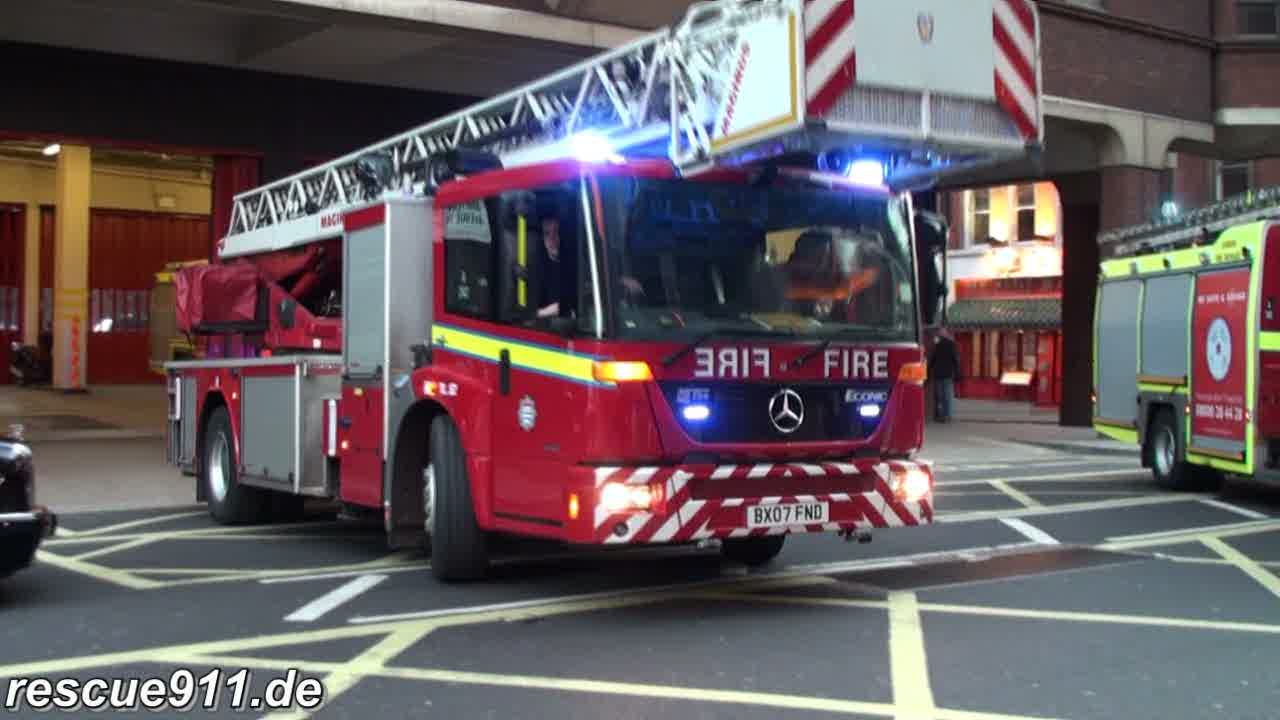Turntable Ladder LFB Soho (stream)