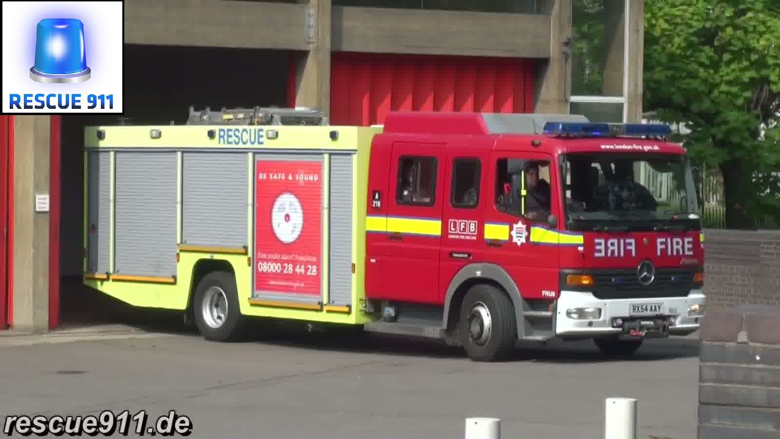 Fire Rescue Unit LFB Paddington (stream)