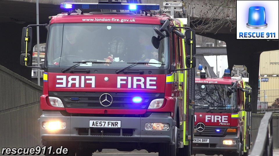 Pump Ladder A211 + Pump A212 LFB Paddington (stream)