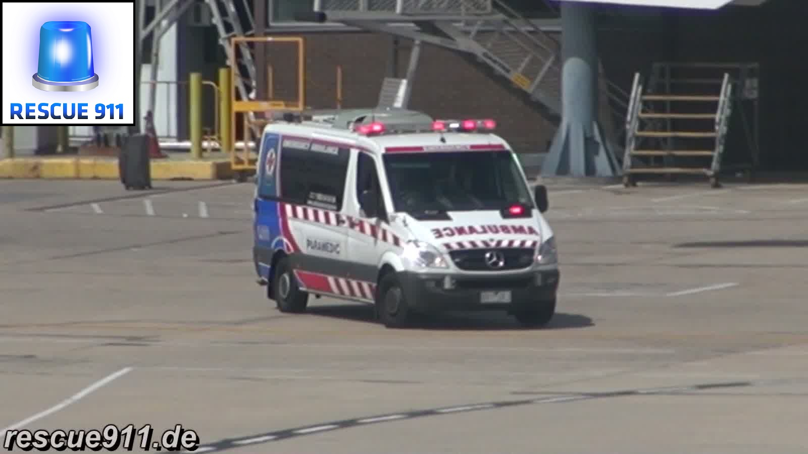 Pumper Melbourne Airport + Ambulance Victoria (stream)