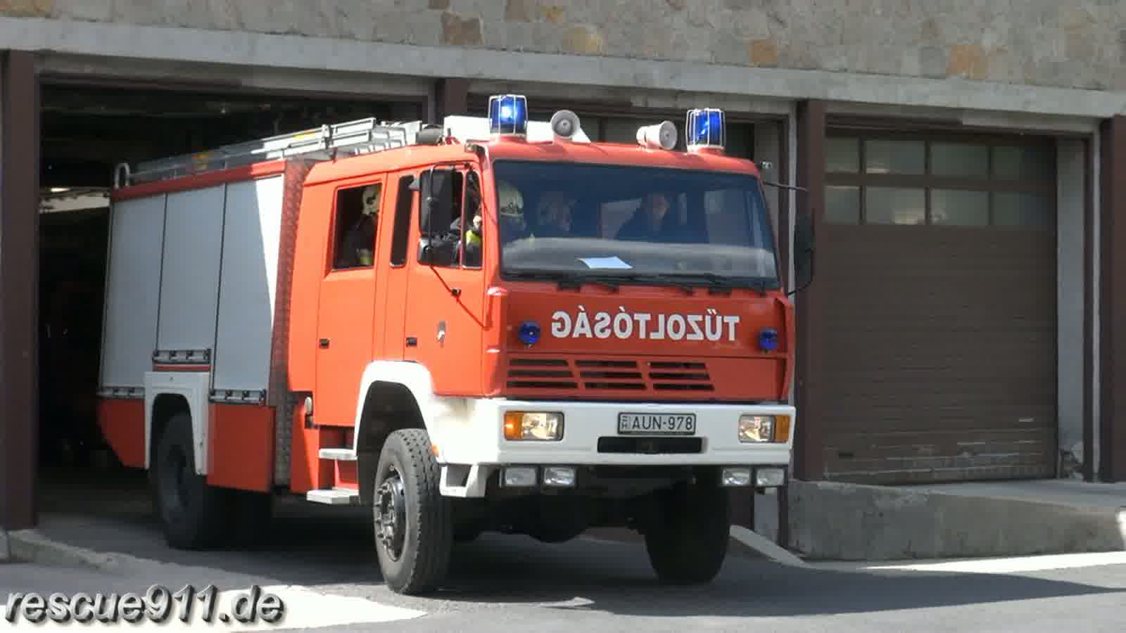 Pumper Fire department Budapest Fire station �jbuda (stream)