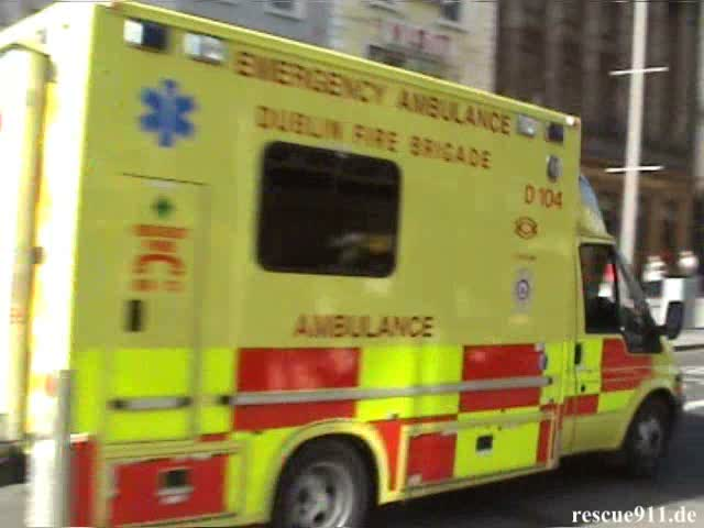 Ambulance D104 Dublin Fire Brigade (stream)
