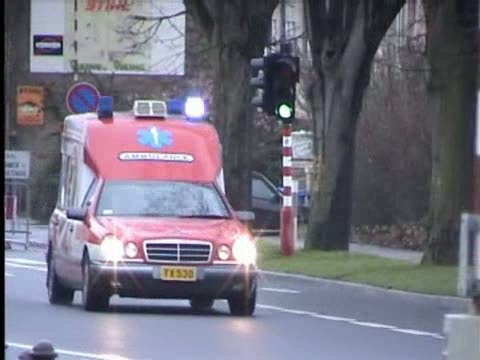 Ambulance KTW Incendie Sauvetage Luxembourg (compilation) (stream)