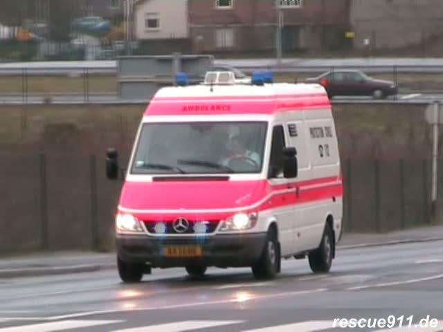 2x Ambulance RTW Protection Civile (stream)