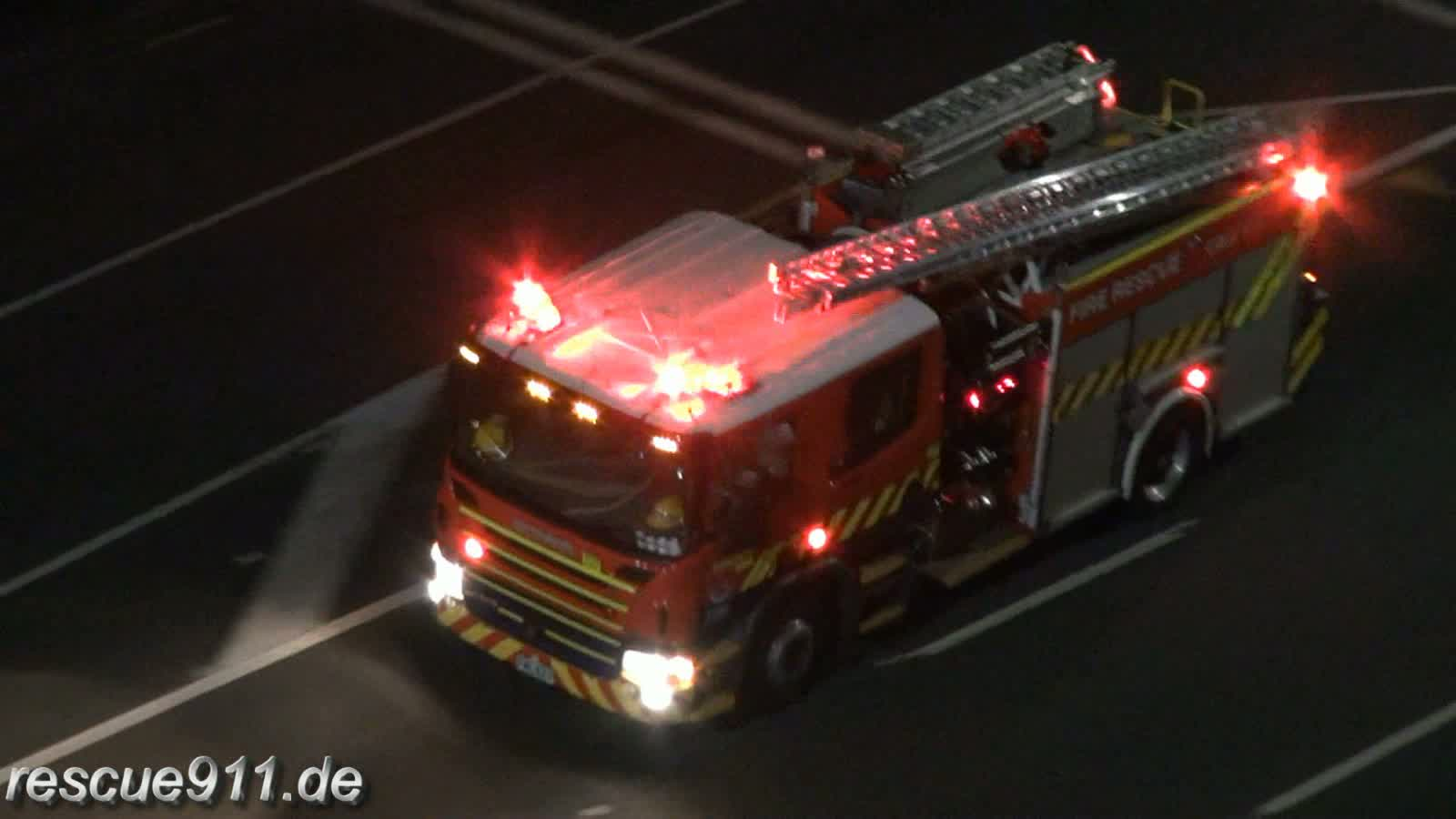 Pump 207 + Aerial 205 New Zealand Fire Service Auckland City Fire Station (stream)