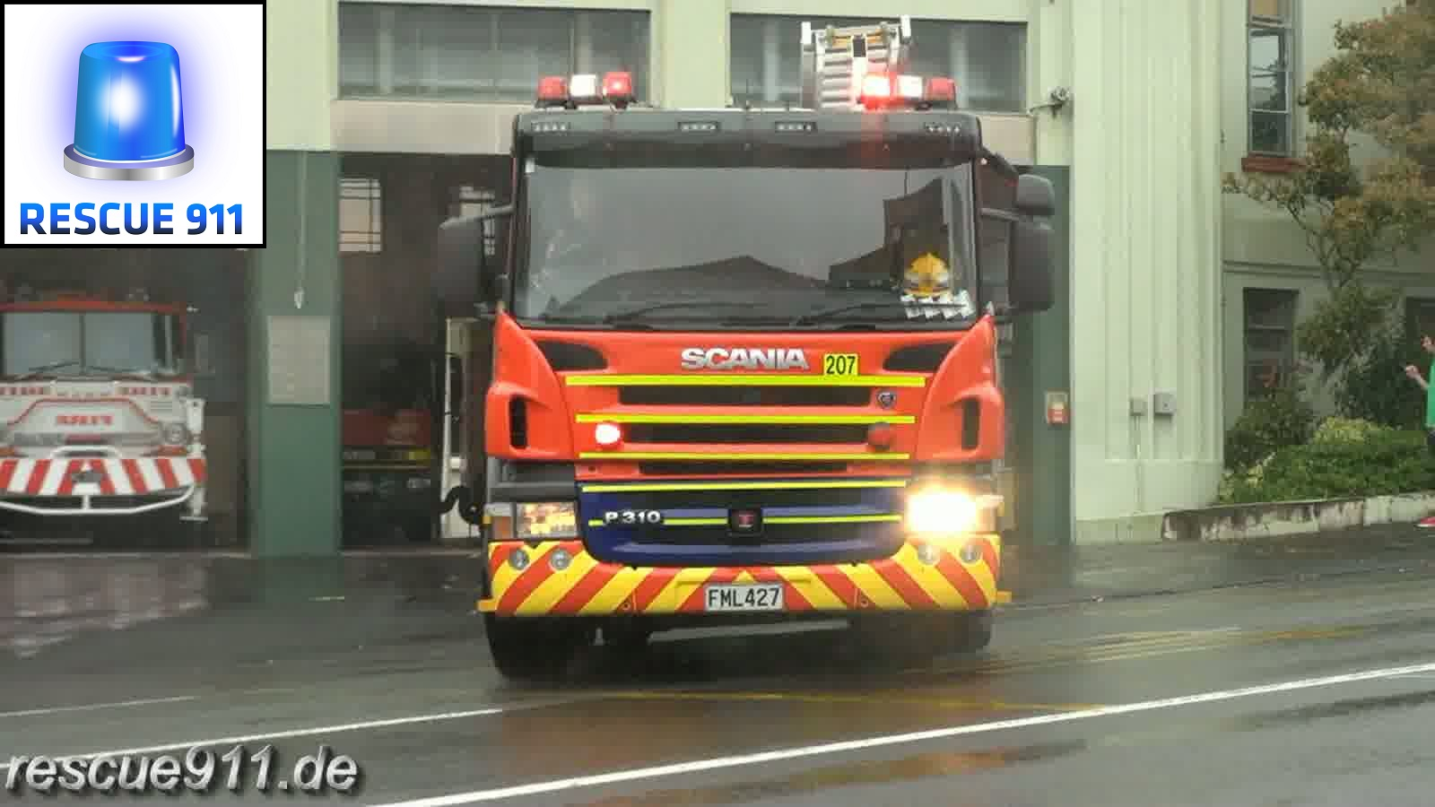 Pump 207 New Zealand Fire Service Auckland City FS (stream)