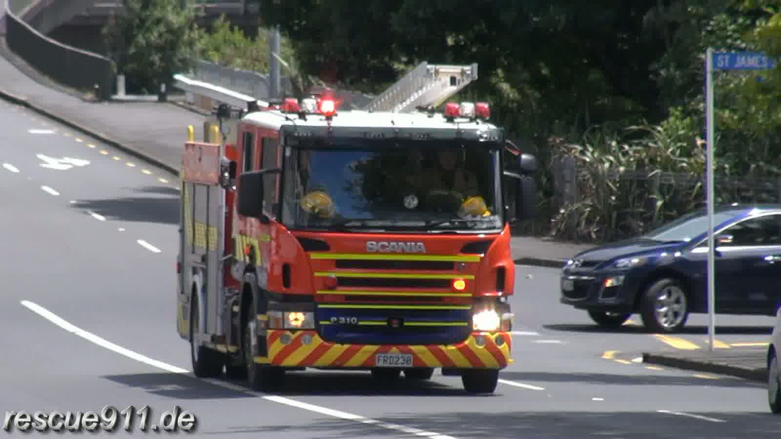 Pump 261 New Zealand Fire Service Ponsonby Fire Station (stream)