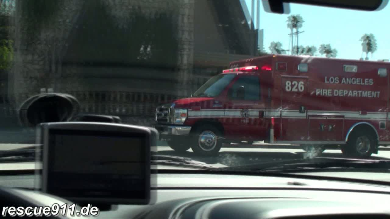Rescue 826 + Truck 26 LAFD (stream)