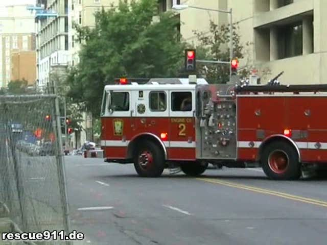 Battalion 4 + Ambulance 20 + Engine 2 DCFD (stream)
