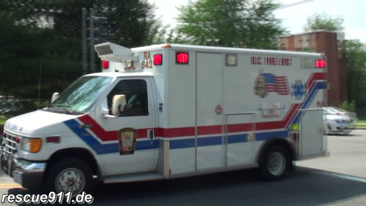 Ambulance + Medic 19 DCFD (stream)