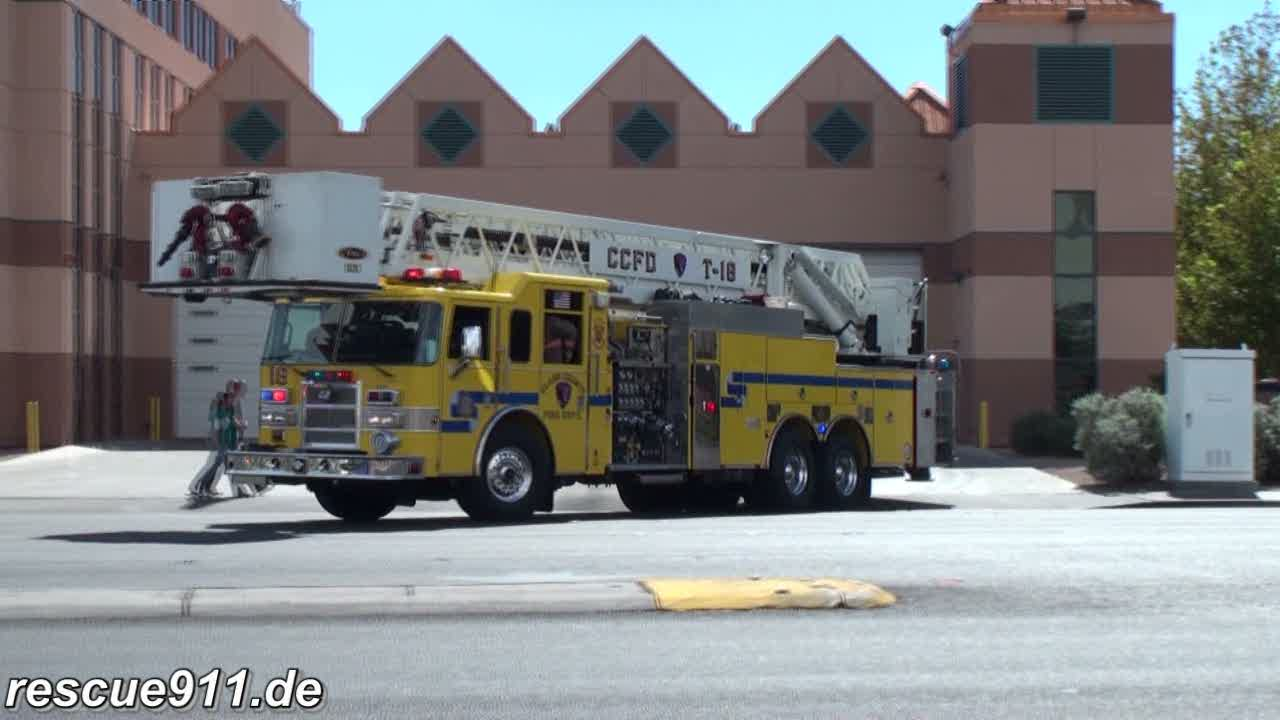 Engine 18 + Tower 18 + Battalion 2 Clark County Fire Department (stream)