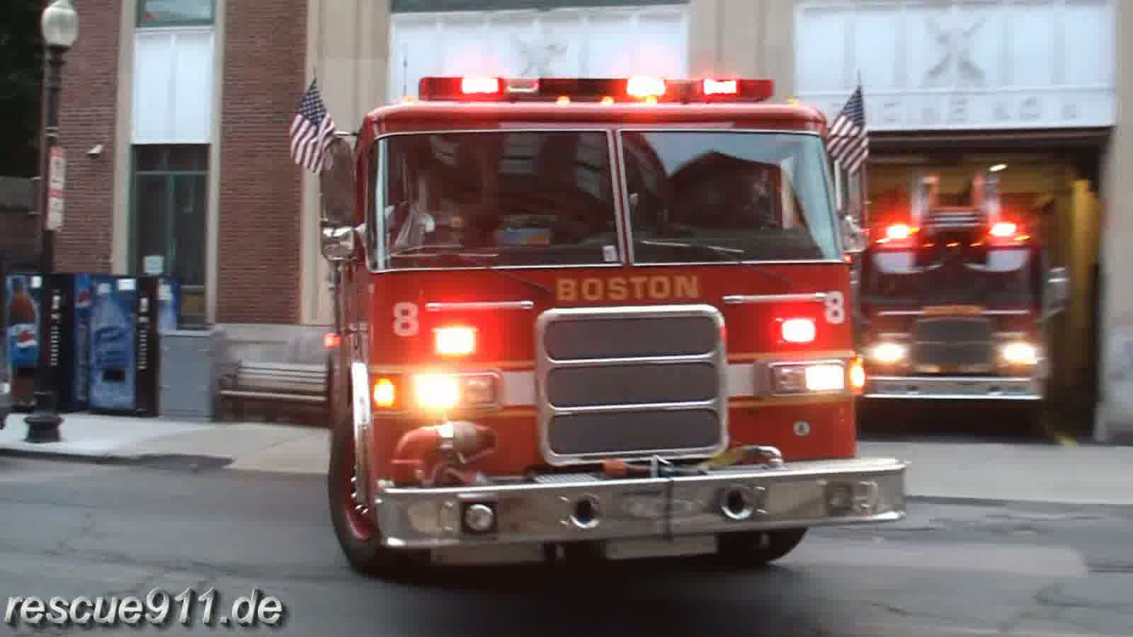 Engine 8 + Ladder 1 Boston Fire Department (stream)